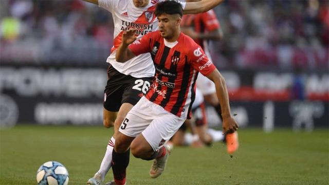 """""""Siempre está la esperanza de volver a Boca"""", señaló el defensor del Patrón."""