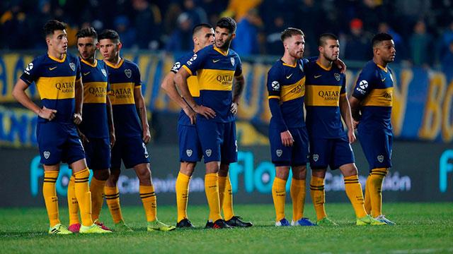 Los jugadores de Boca, tras la derrota con River.
