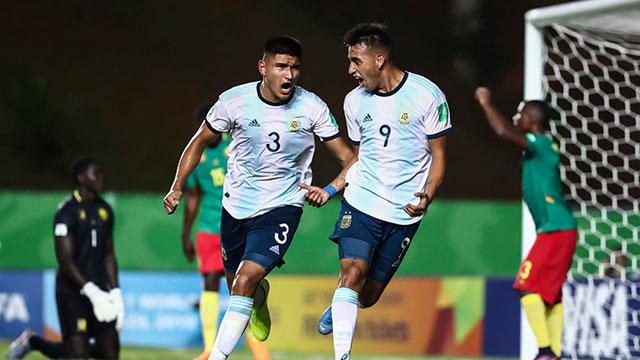 Argentina aseguró su clasificación a octavos de final.