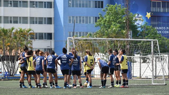 El fútbol femenino regresará en septiembre.