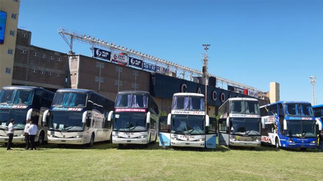Más de 30 micros de Flechabus llevarán a más de 2.000 hinchas de Colón.
