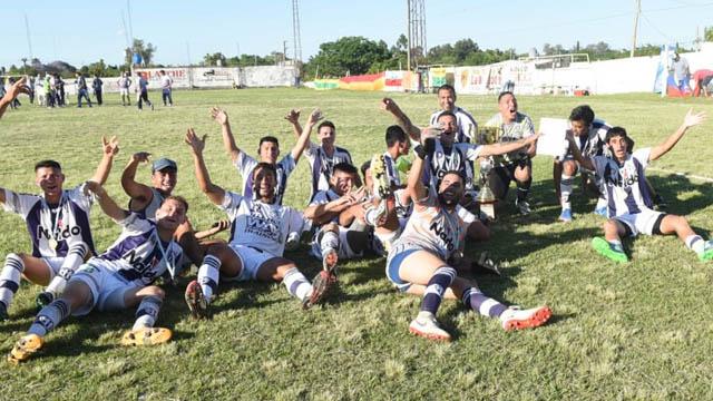 Atlético se llevó la Copa Entre Ríos.