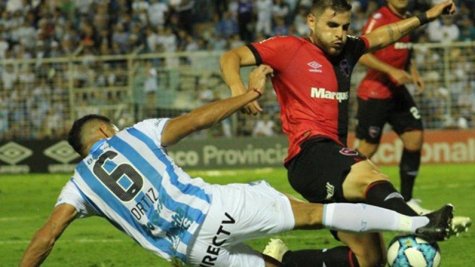 Atlético y Newell's disputaron un duelo friccionado.