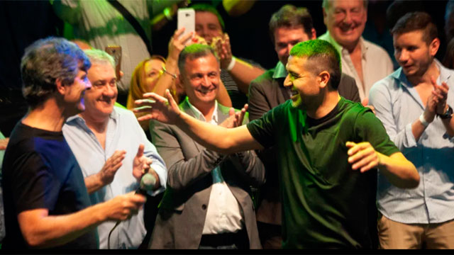 La fórmula Ameal-Riquelme triunfó en las elecciones en Boca Juniors