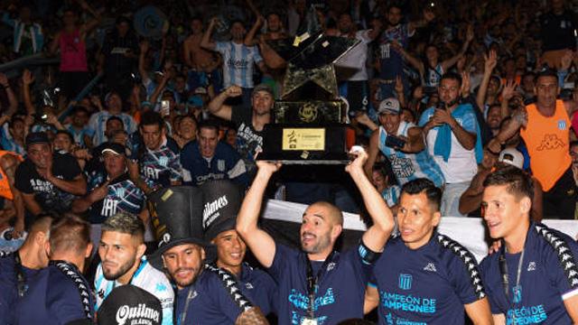 La Academia se adjudicó el Trofeo de Campeones de la Superliga.