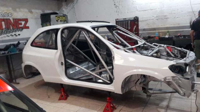 El auto ya se encuentra en el taller que tiene la familia Martínez en Concordia.
