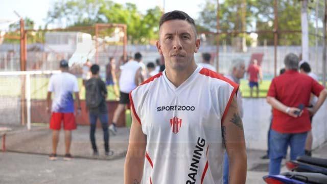 El futbolista entrerriano se prepara con el plantel Decano. (Foto: Uno)