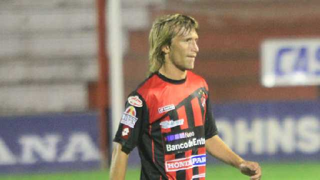 Macha defendió los colores del Rojinegro en la B Nacional por dos temporadas.