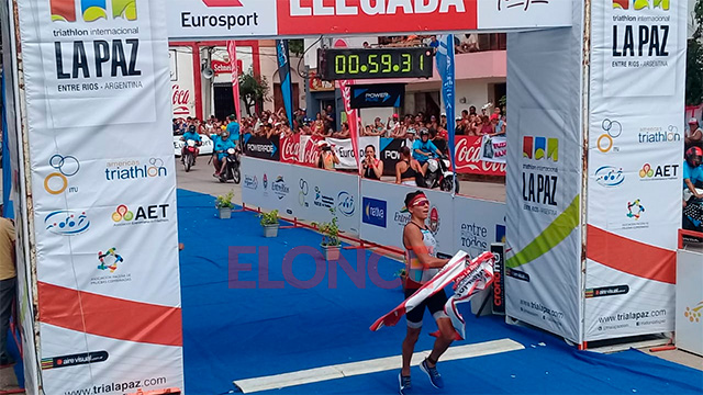 Ibrahim Alucin ganó el Triatlón Internacional de La Paz