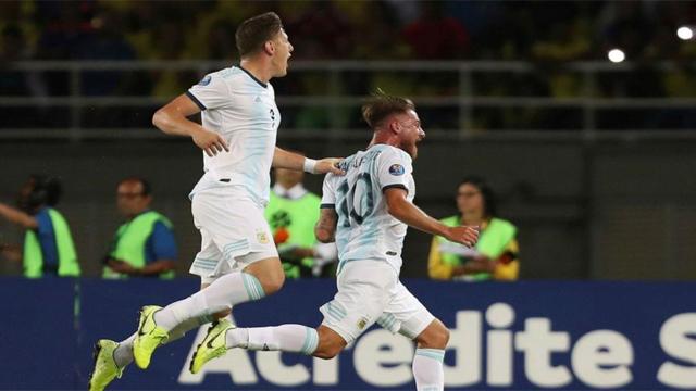 Gran arranque de la Albiceleste, que dio vuelta el marcador ante Colombia.