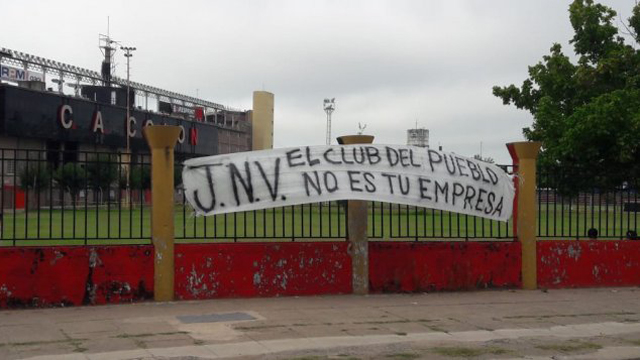 En Colón aparecieron pasacalles contra jugadores y dirigentes