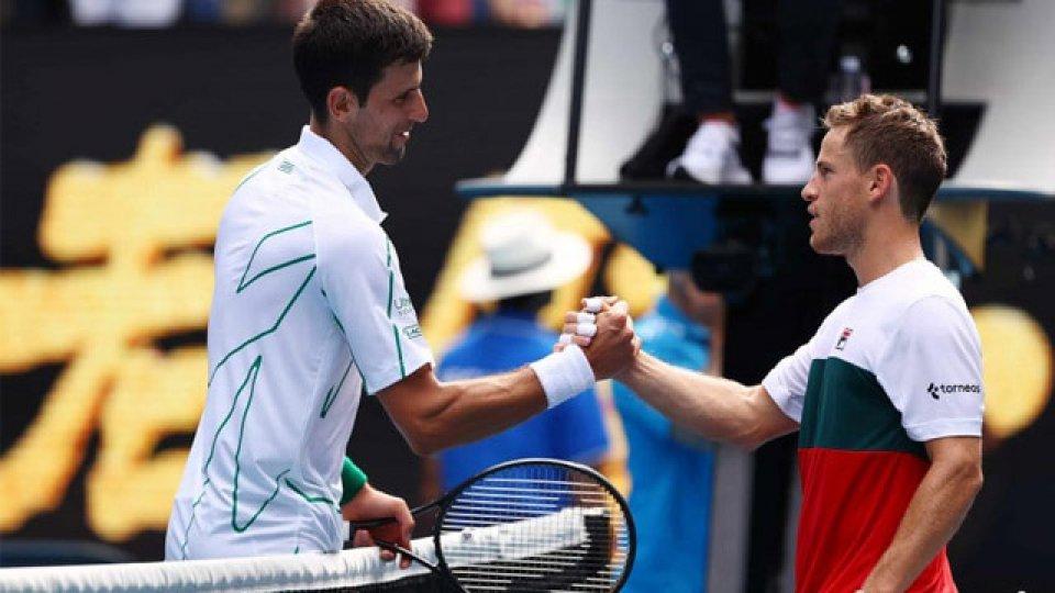 El Peque se despidió del Australian Open luego de perder frente a Djokovic.