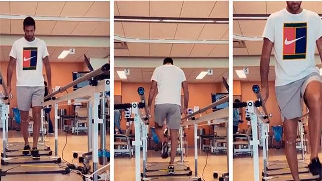 Del Potro empezó a caminar dos días después de la operación en la rodilla.