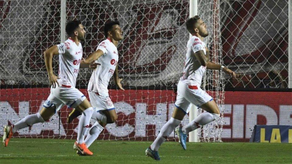 El concordiense Bou será protagonista en el debut del Tate en la Sudamericana.