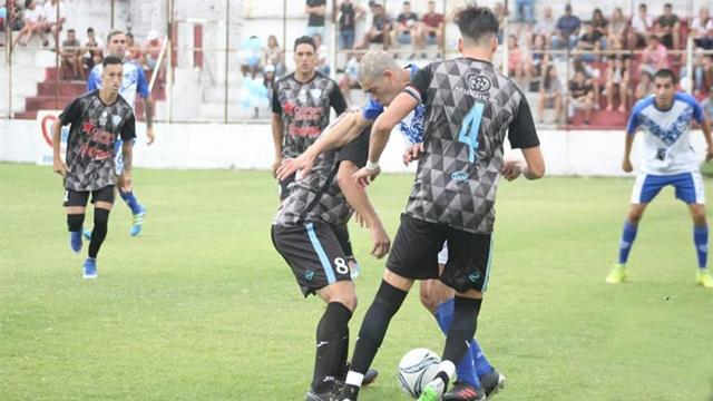 El Fortín recibe al Celeste en La Floresta buscando un triunfo en su debut.