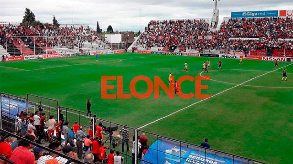 El partido del viernes se jugará en el Grella solamente con hinchas locales.