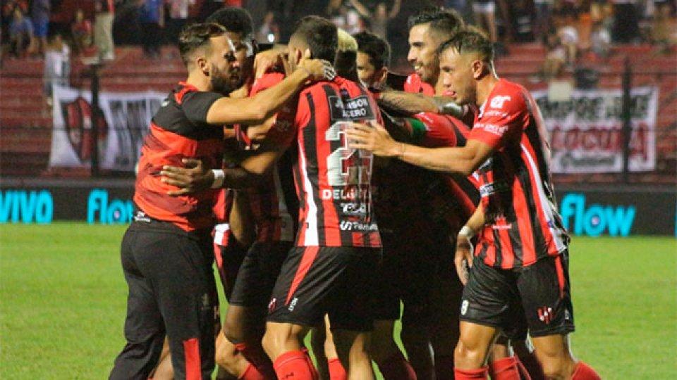 El Rojinegro logró una merecida victoria ante Unión. (Foto: Prensa Patronato)