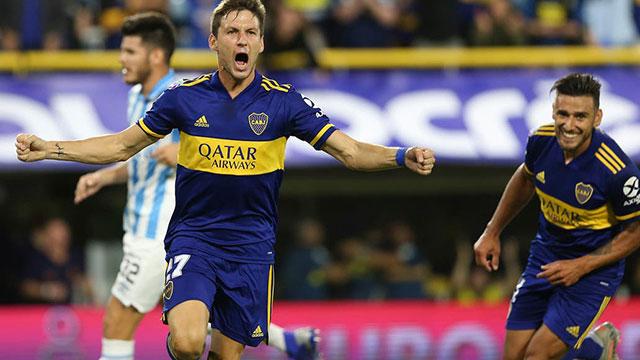Boca buscará en Santiago el triunfo que le permita seguir en la lucha.