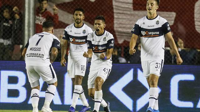 Un entrerriano alegró a Maradona en la agonía y Gimnasia festejó ante Independiente