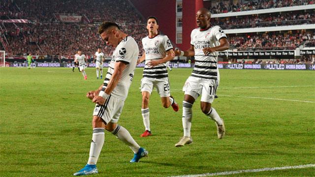 River le ganó 2-0 a Estudiantes y se mantiene firme en la punta de la Superliga
