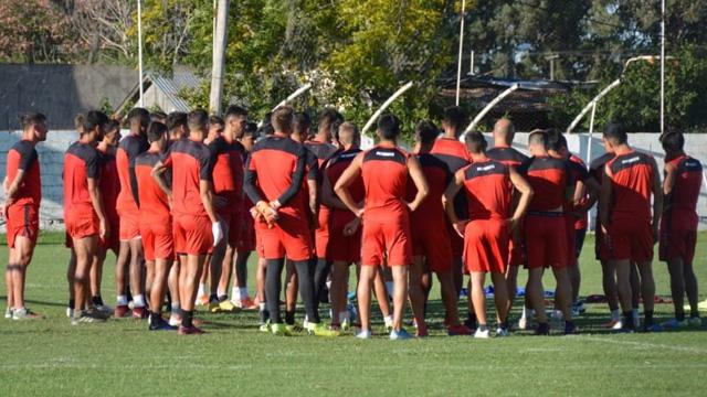 Patronato: Álvarez piensa en un equipo alternativo con juveniles para la Copa Argentina