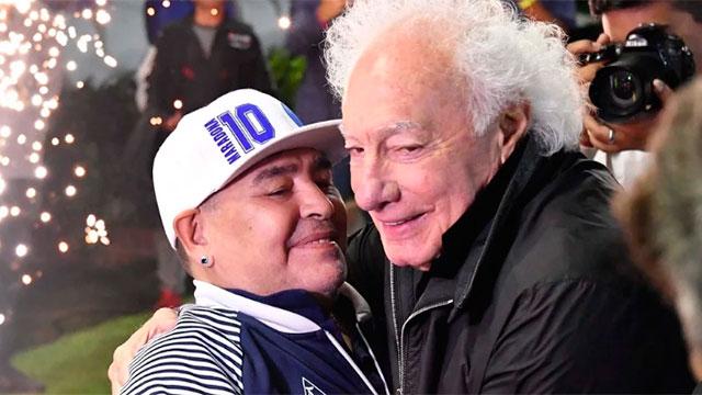 Maradona se reencontró con Guillermo Coppola y hubo un emotivo abrazo.