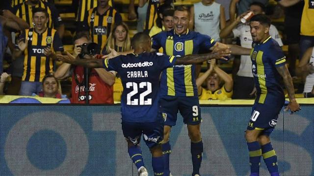 Ruben señaló tres goles para el buen trinfo de la Academia rosarina.