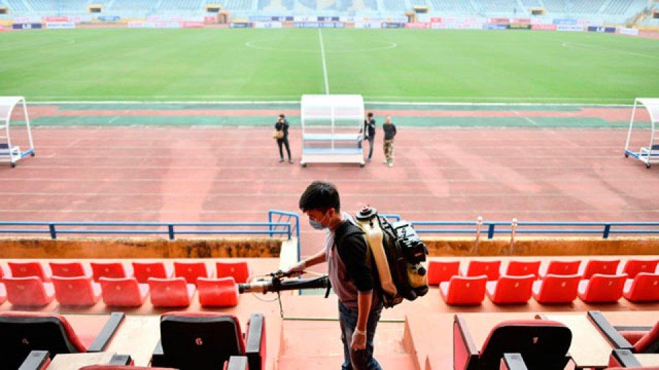 China reorganiza su vida social y planifica una difícil vuelta del fútbol.