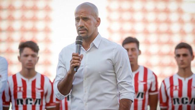 """Verón, contra Tevez y la AFA: """"Si no vuelve el fútbol, la TV no pagará más""""."""