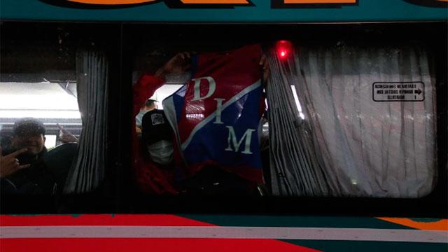 Detuvieron en Buenos Aires un colectivo con hinchas de Independiente Medellín.