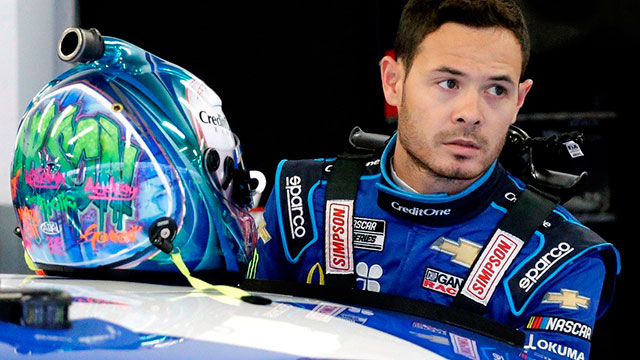 El piloto estadounidense de la NASCAR Kyle Larson fue suspendido indefinidamente