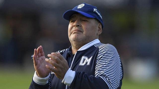 Hubo acuerdo y finalmente Diego Armando Maradona seguirá en Gimnasia.