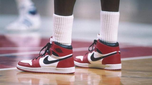 Mas de medo millon de dólars fue el precion que se pagó por las Air Jordan 1.