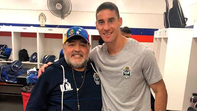 Maradona y Leo Morales.