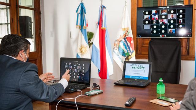 Mediante videoconferencia se realizó un nuevo foro.