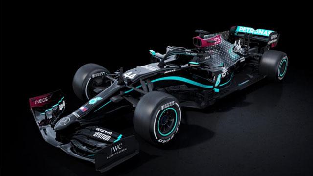 """""""Acabemos con el racismo"""", es el mensaje de Mercedes con su nuevo modelo."""