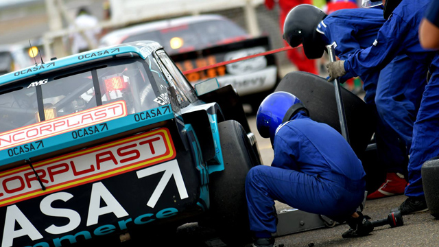 Los pilotos pidieron usar 8 neumáticos por 3 carreras.