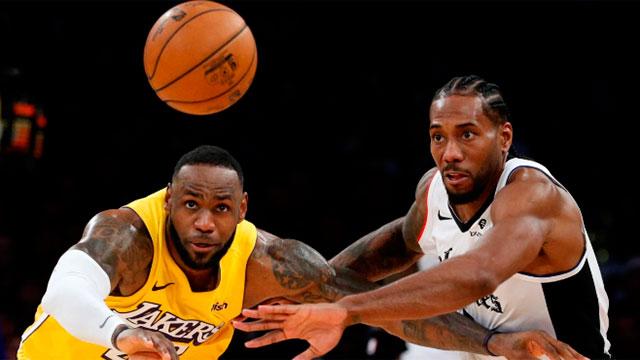 La NBA retorna con 22 equipos dentro de una burbuja en Disney World.