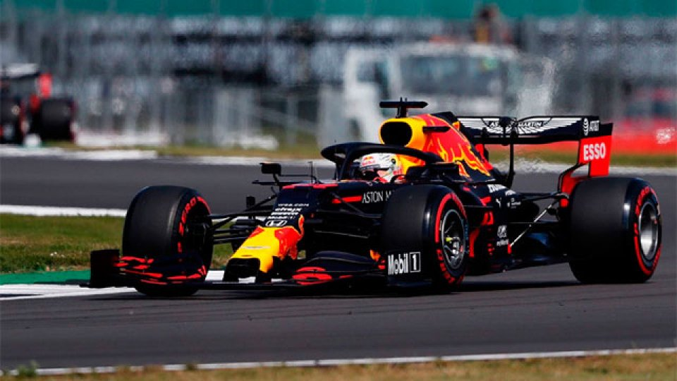 Verstappen se llevó la victoria en el Gran Premios de Silverstone.