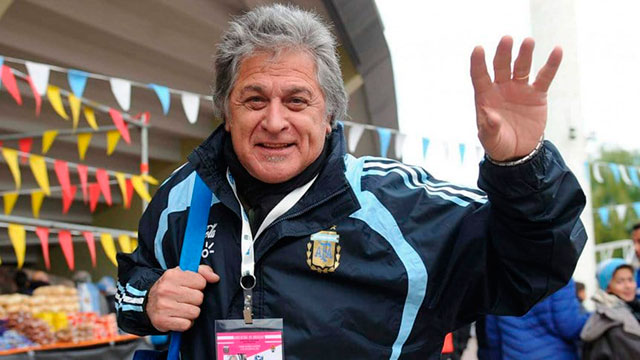 """""""Todos estamos tristes porque estamos matando el fútbol"""", opinó el Pato."""
