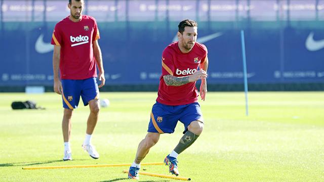 Koeman incluyó a Messi pero no a Suárez ni Vidal en su primera lista.