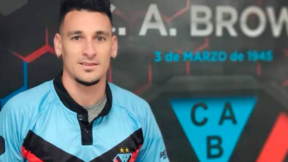 Leonardo Acosta jugará la Primera Nacional en Brown de Adrogue.