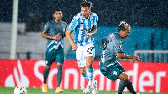 Racing superó a Estudiantes de Mérida, pero no le alcanzó para ganar su grupo.