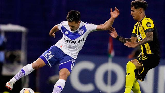 Vélez no pudo con Peñarol en su debut en la Copa Sudamericana.