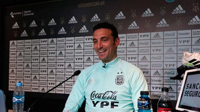 Lionel Scaloni presentó la lista para la Copa América.