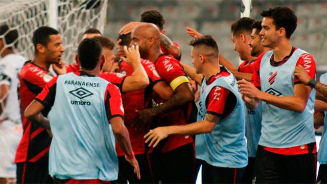 Coronavirus: Paranaense sufrió un brote de contagios a horas del partido frente a River