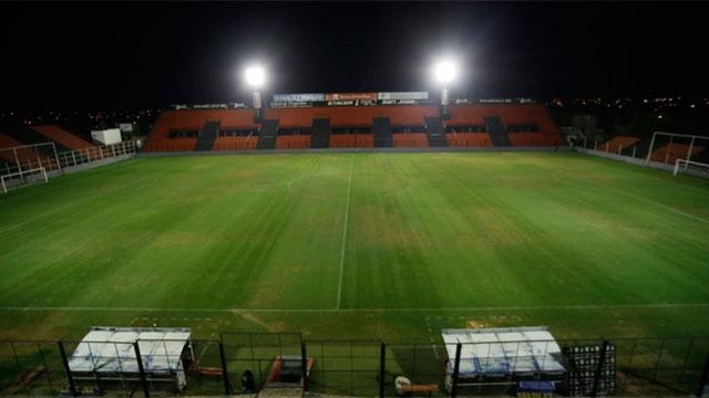Se iluminaron todos los estadios para rendir homenaje a Diego Armando Maradona