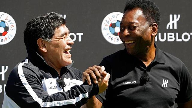 El impactante reconocimiento del Santos a Maradona con la histórica camiseta 10 de Pelé