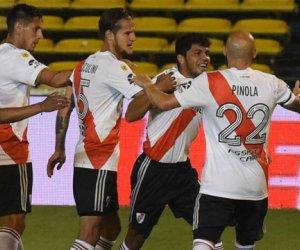 River superó a Rosario Central por 2 a 0, es puntero y sigue en la pelea por el título