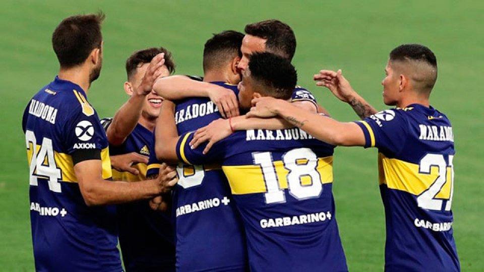 El Xeneize venció 2-0 a Newell's en La Bombonera y quedó a un paso de avanzar.